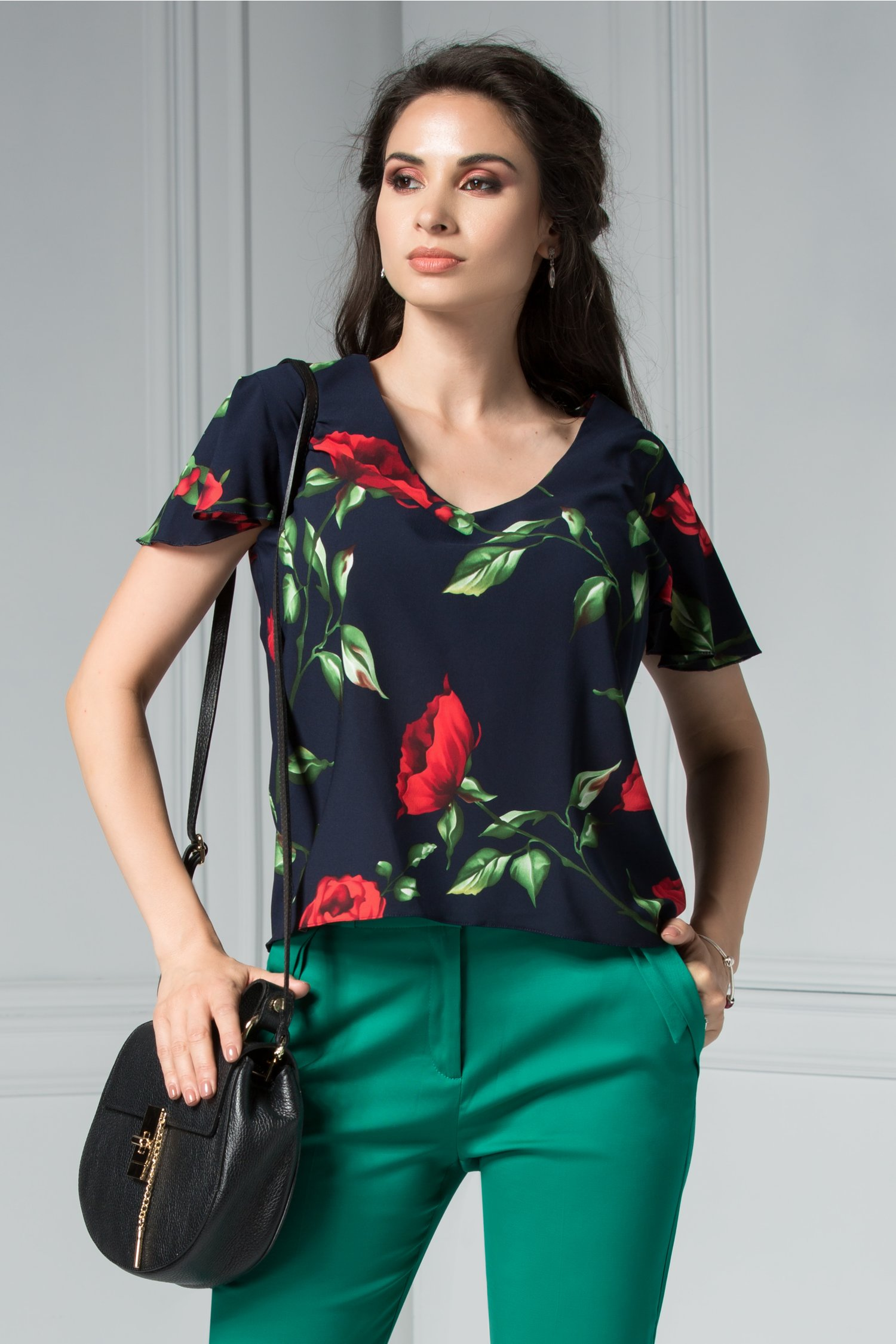 Bluza Ceri cu maneci scurte bleumarin eleganta cu imprimeu