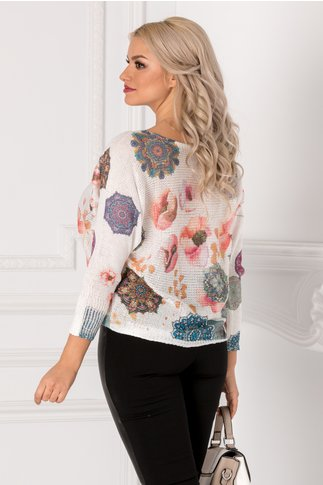 Bluza Coralia alba cu imprimeu abstract in nuante de roz