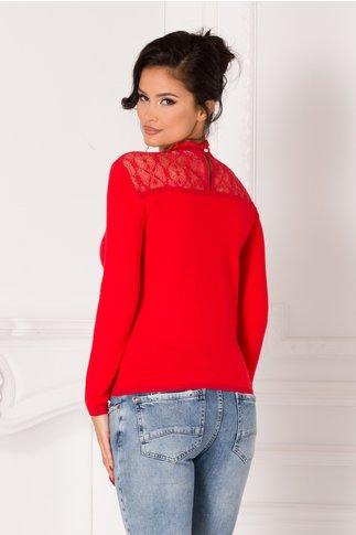 Bluza Corina rosie cu dantela in zona bustului