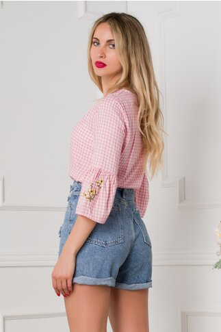 Bluza Cristina cu carouri roz si maneci trei sferturi