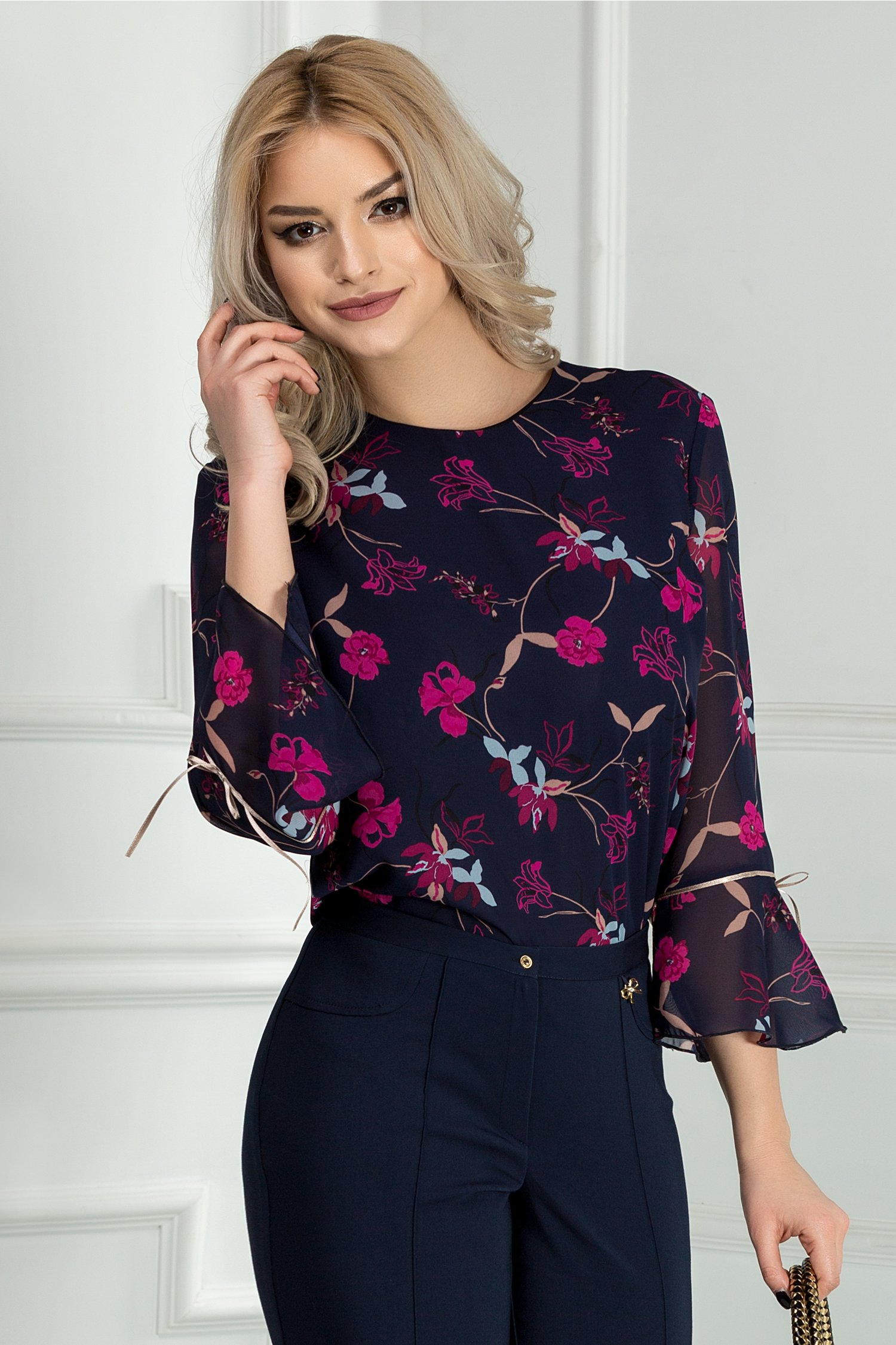 Bluza dama bleumarin cu imprimeuri florale