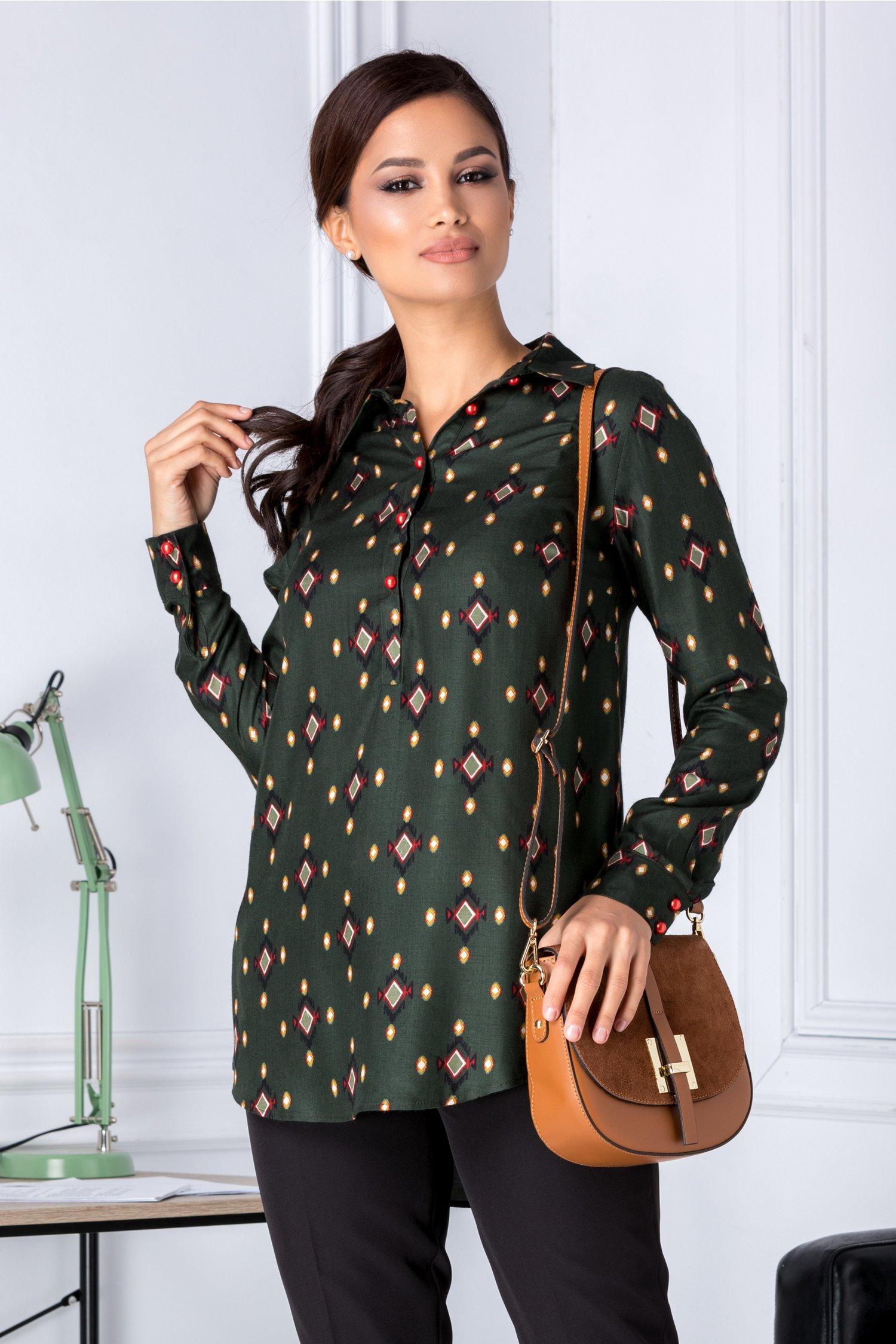 Bluza dama verde inchis cu imprimeuri