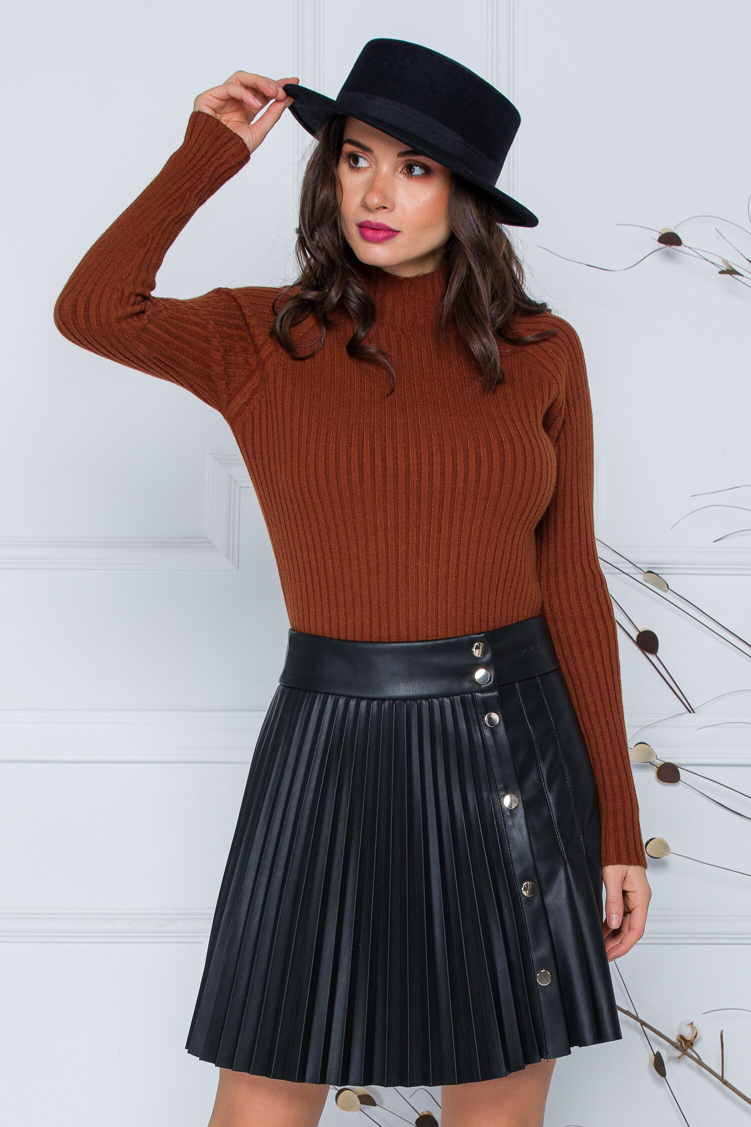Bluza Daria maro din tricot reiat imagine