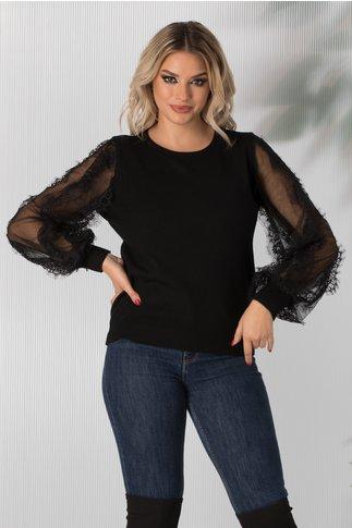 Bluza Daria neagra cu maneci din dantela