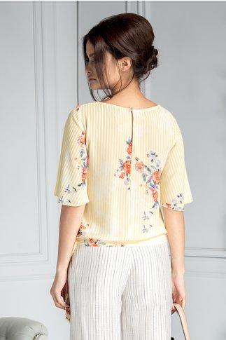 Bluza Delia casual cu dungi galbene si flori