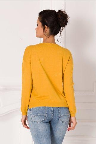Bluza Denisa galben mustar cu imprimeu pe fata si flori 3D