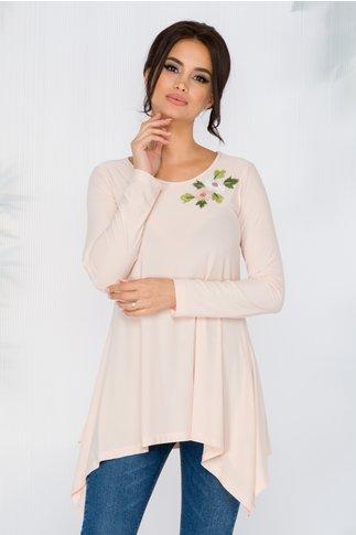 Bluza Diana roz pal cu broderie florala si lungime asimetrica
