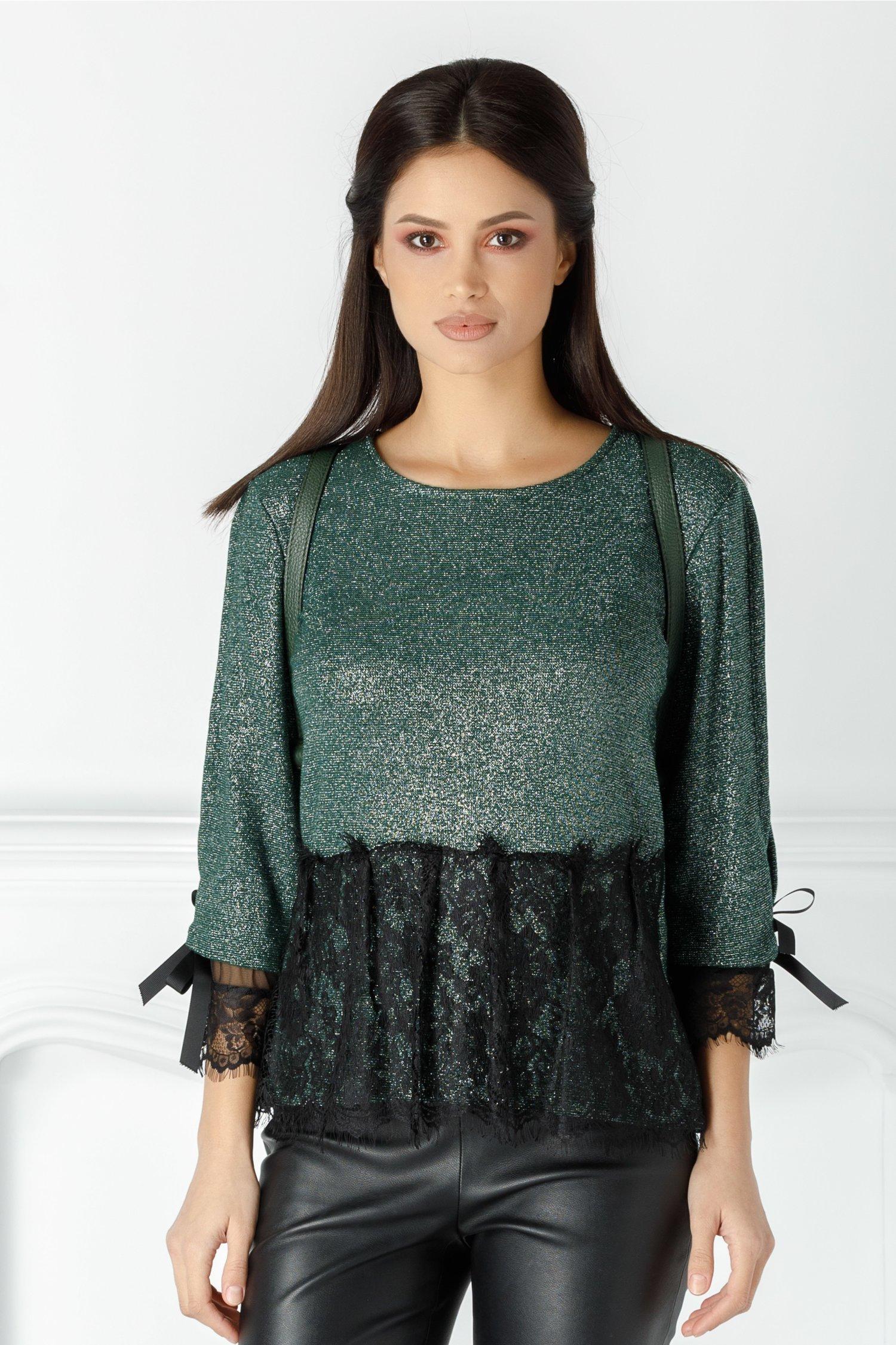 Bluza Emily verde cu dantela si decupaj la spate