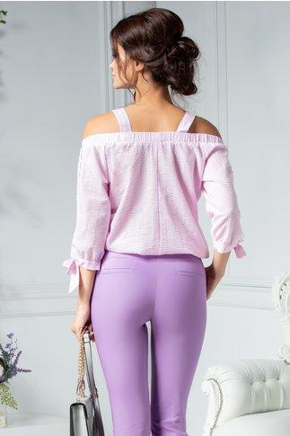 Bluza fara umeri roz cu patratele albe