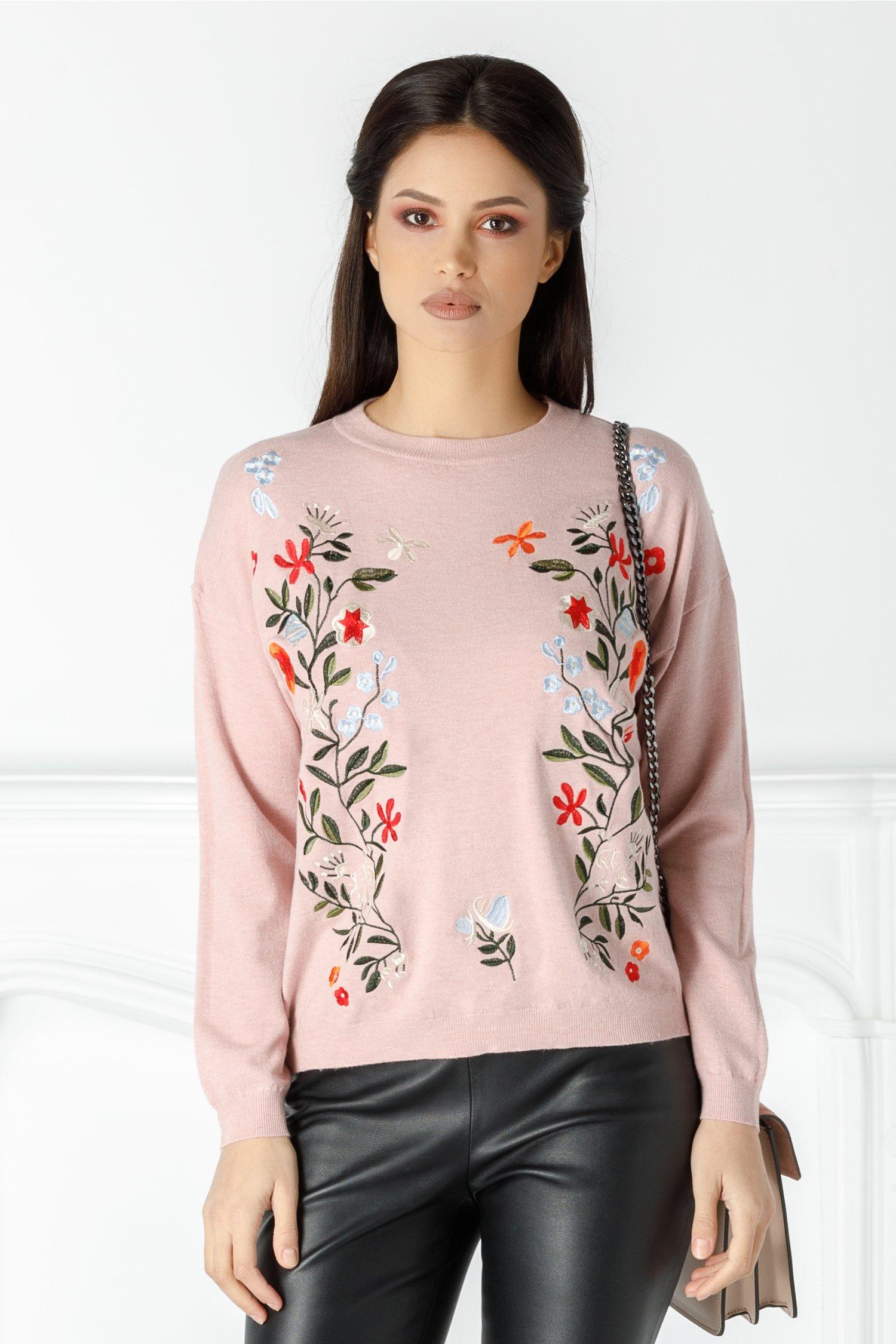 Bluza Floris roz pudrat cu flori brodate