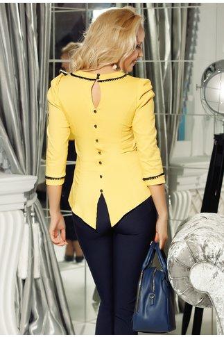 Bluza Fofy galbena cu nasturi la spate si aplicatii la guler si maneci
