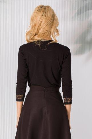 Bluza Gilda neagra cu insertii din dantela