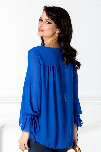 Bluza Iris albastra vaporoasa cu decupaj la decolteu