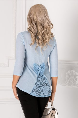 Bluza Ivy bleu cu dantela si funda la spate
