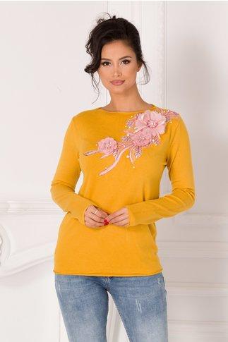 Bluza Katerina galben mustar cu broderie si flori 3D roz