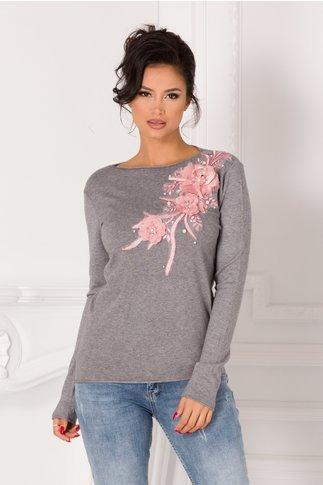 Bluza Katerina gri cu broderie si flori 3D roz