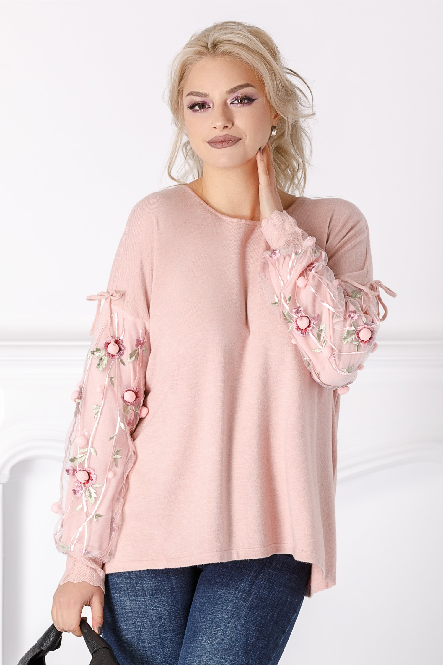 Bluza Kira roz cu flori 3D la maneci