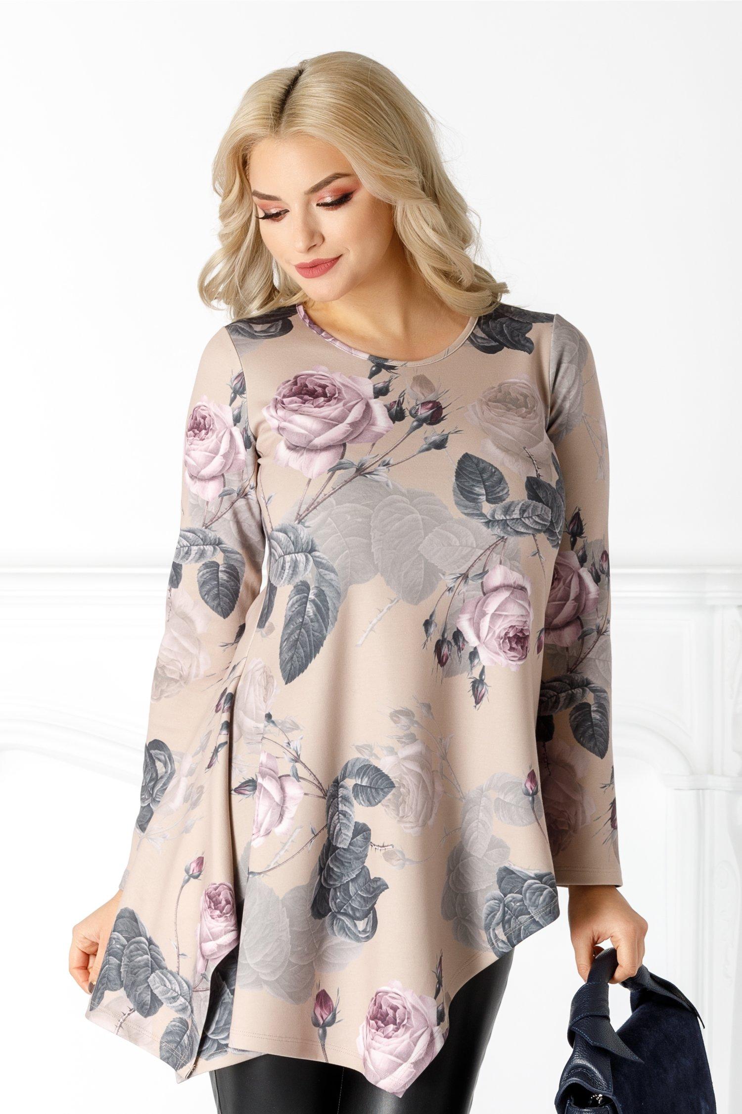 Bluza LaDonna bej cu trandafiri si colturi pe o parte