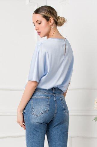 Bluza LaDonna bleu satinata cu aplicatie din dantela in forma de inima