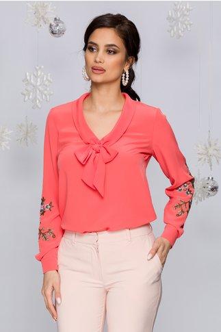Bluza LaDonna corai cu broderie florala pe maneci