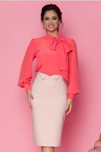 Bluza LaDonna corai cu detaliu stil esarfa la guler si nasturi decorativi tip bijuterie