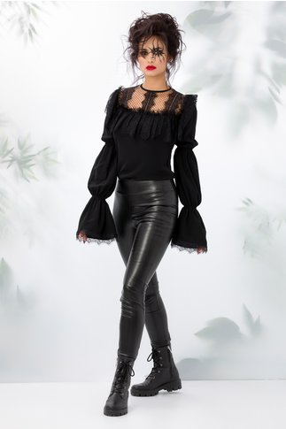Bluza LaDonna neagra cu volanase din dantela chantilly la bust si tull bej