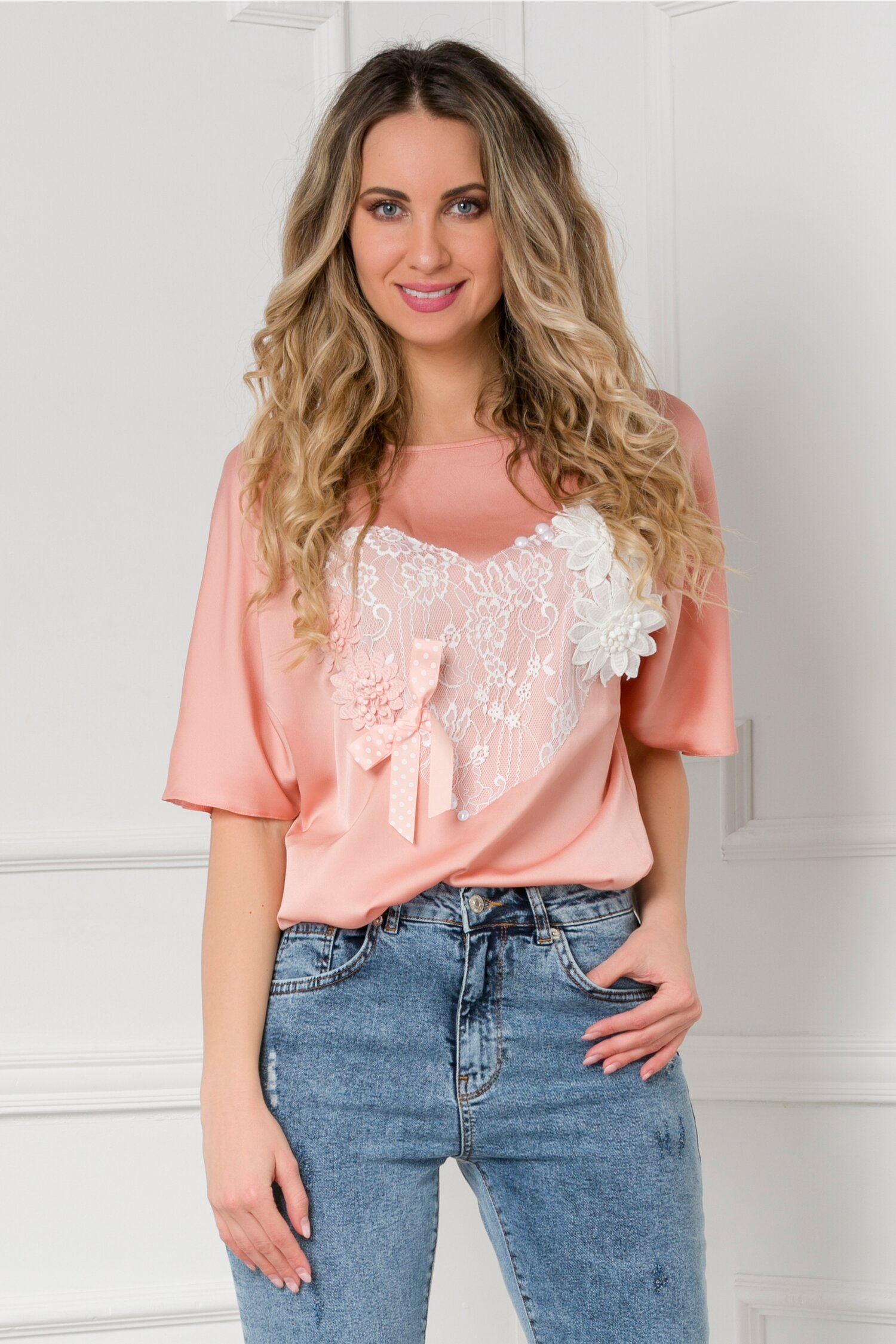 Bluza LaDonna roz prafuit cu inimioara din dantela alba