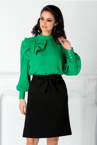 Bluza LaDonna verde cu funda maxi la umar