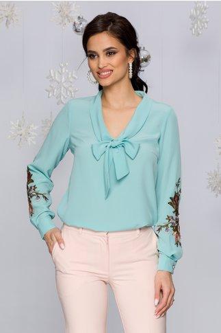 Bluza LaDonna verde mint cu broderie florala pe maneci
