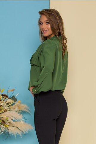 Bluza LaDonna verde olive cu detaliu stil esarfa la guler si nasturi decorativi tip bijuterie