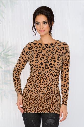 Bluza Leny bej cu imprimeu leopard si strasuri