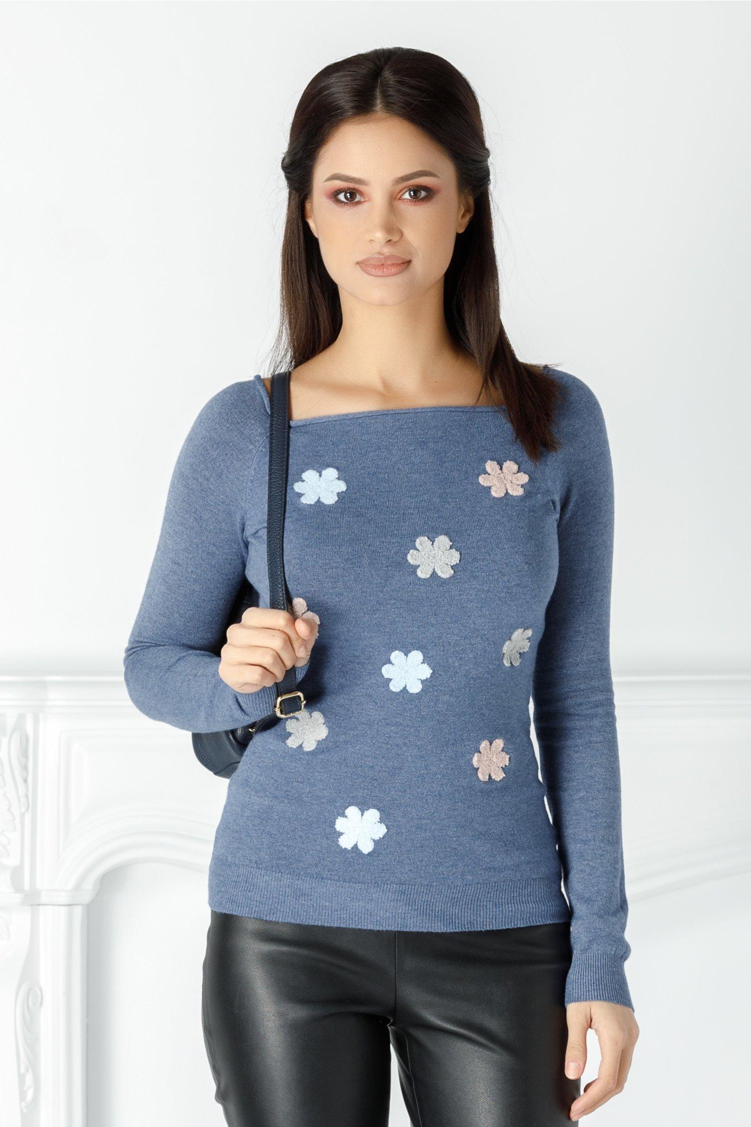 Bluza Mella bleu cu floricele brodate