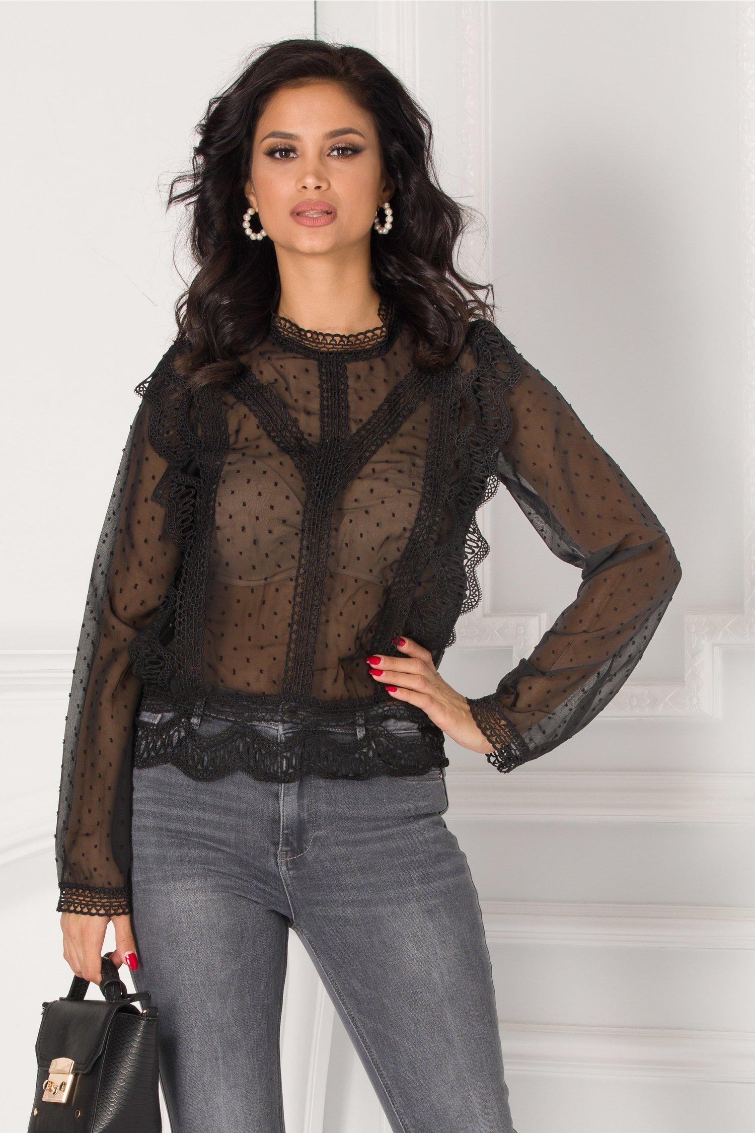 Bluza Miruna neagra cu aplicatii din broderie