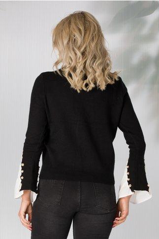Bluza neagra cu guler si mansete