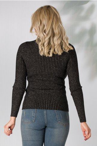 Bluza neagra pe gat tip tricot cu sclipici