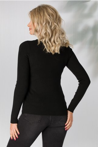 Bluza neagra tip tricot cu capse aurii