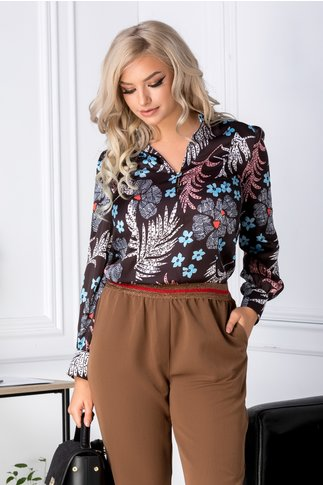 Bluza Nikol neagra cu imprimeu floral pastelat