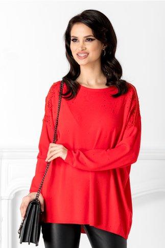 Bluza rosie cu aplicatii din dantela la umeri
