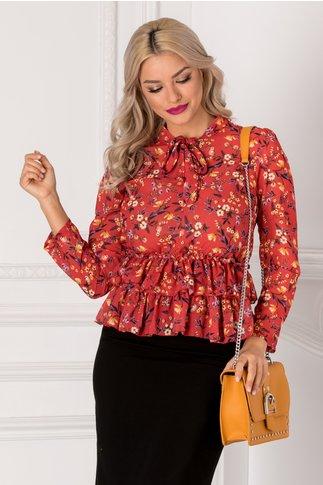 Bluza rosie cu imprimeu floral si volanase la baza