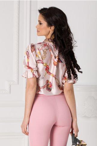 Bluza roz prafuit cu imprimeu multicolor si fluturi