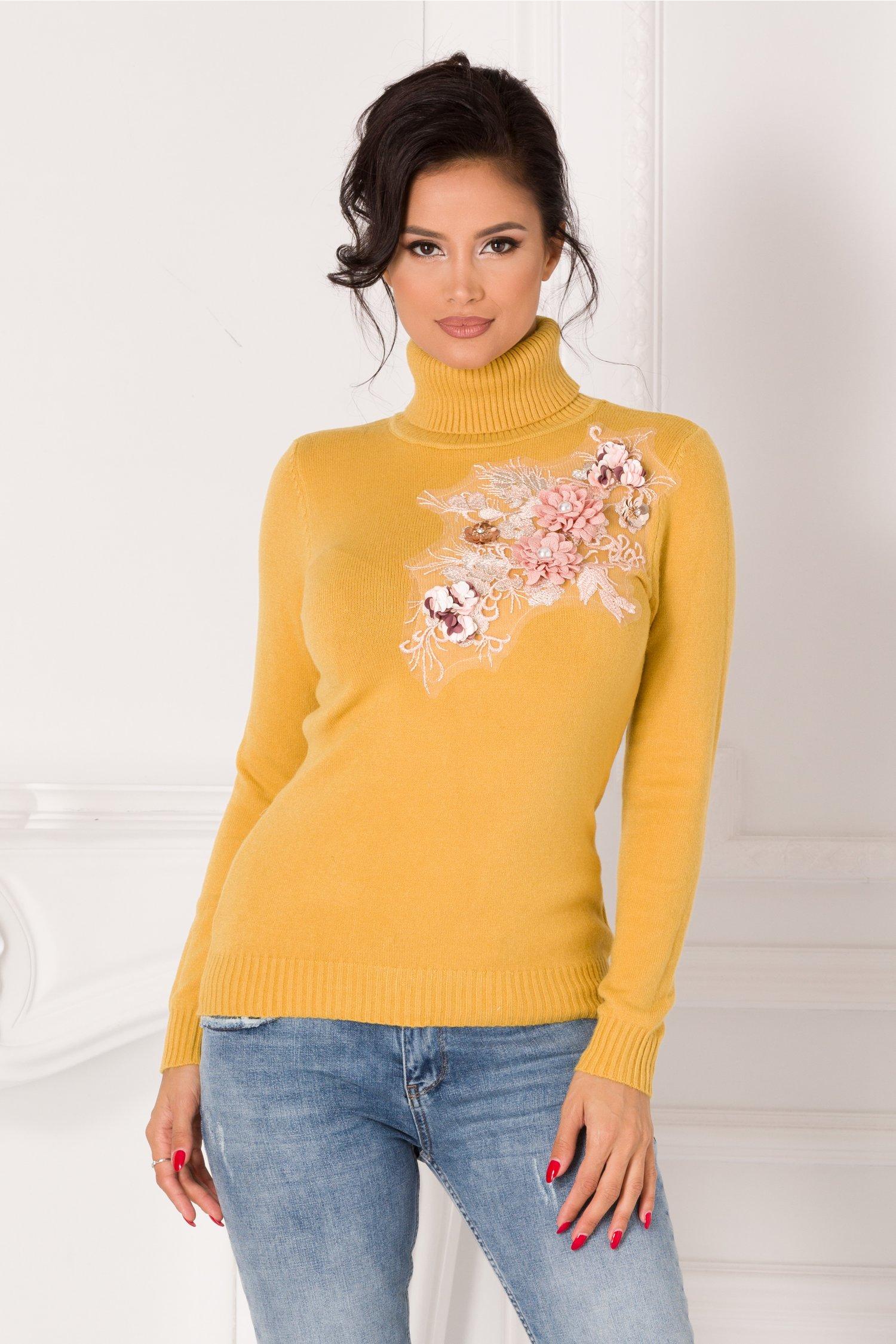 Bluza Sabrina galben mustar cu guler si broderie 3D la bust