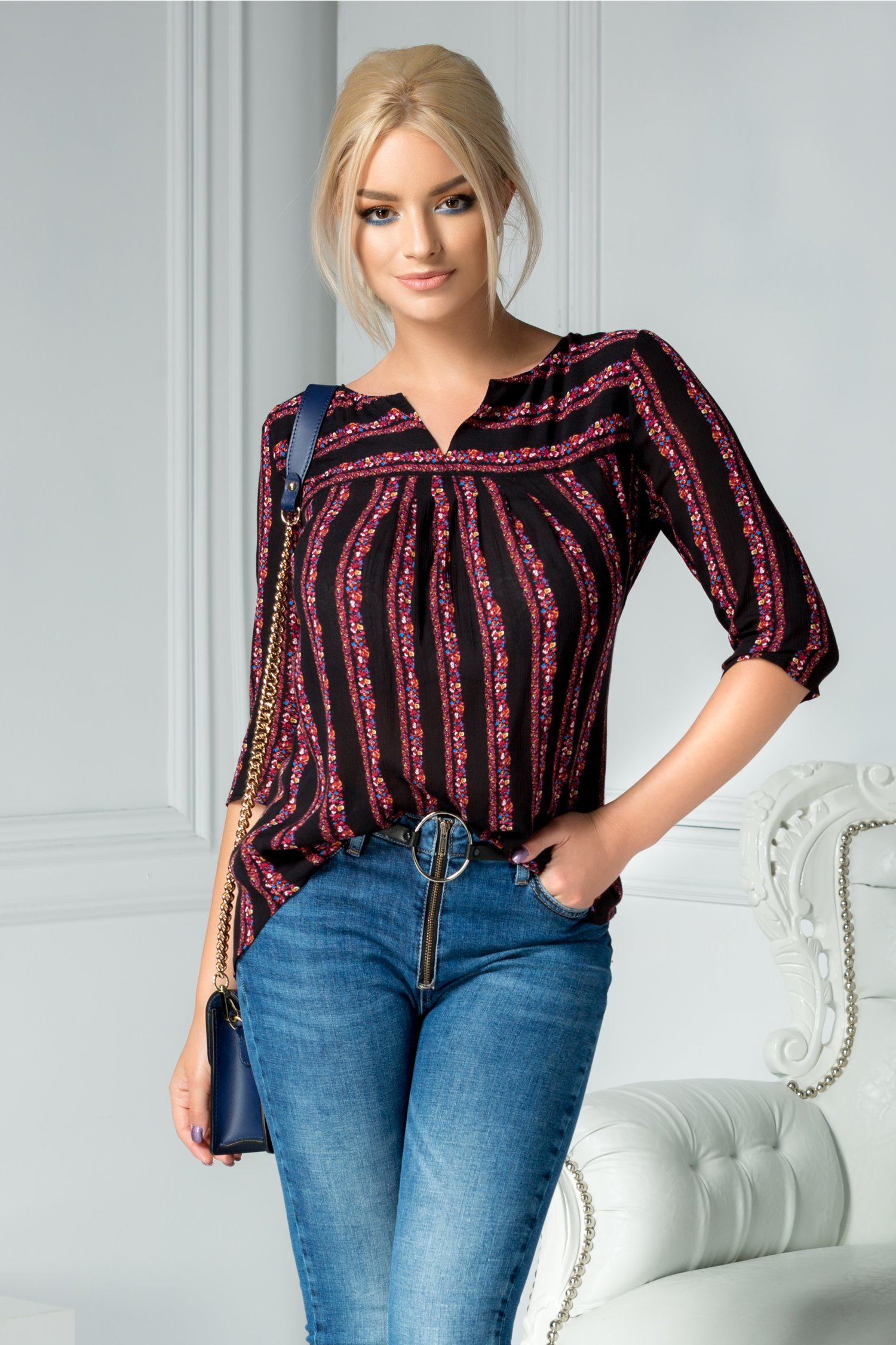 Bluza Sania neagra cu dungi colorate