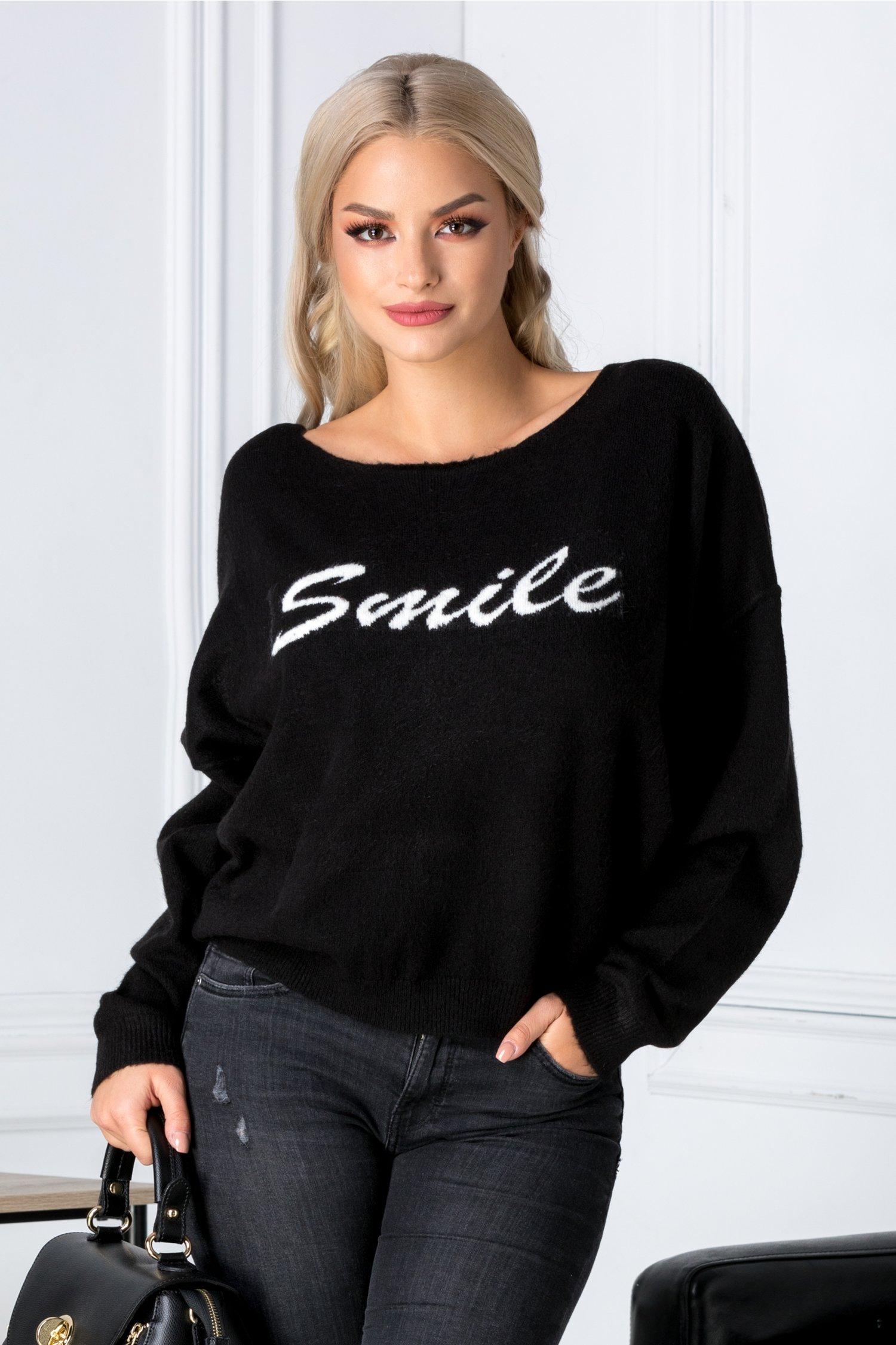 Bluza Smile neagra cu croi larg
