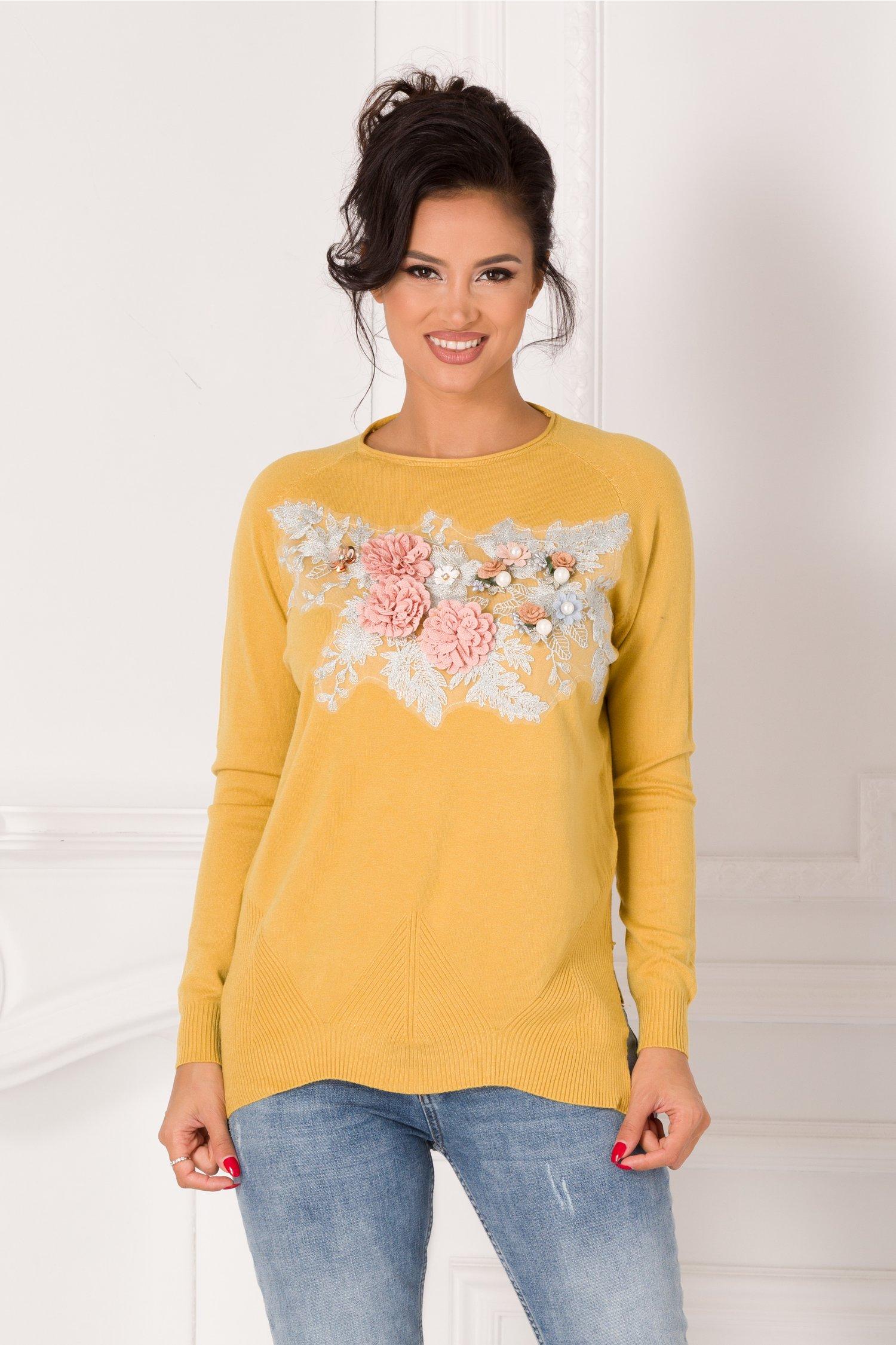 Bluza Tania galben mustar cu broderie si flori 3D