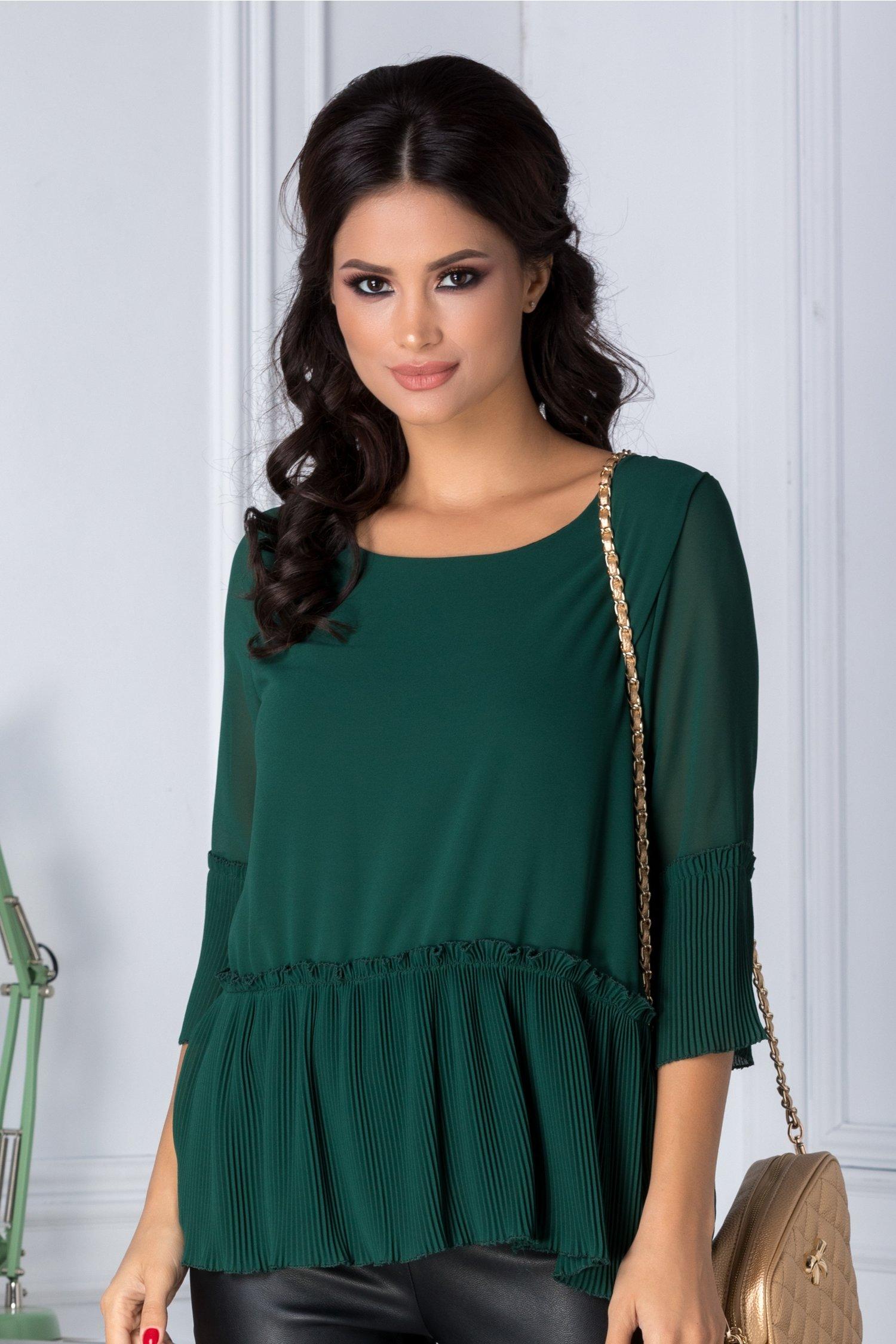 Bluza verde eleganta plisata la baza si la maneci