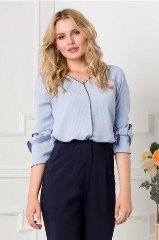 Bluza Yulia bleu cu imprimeu in dungi si maneci scurte cu fundita