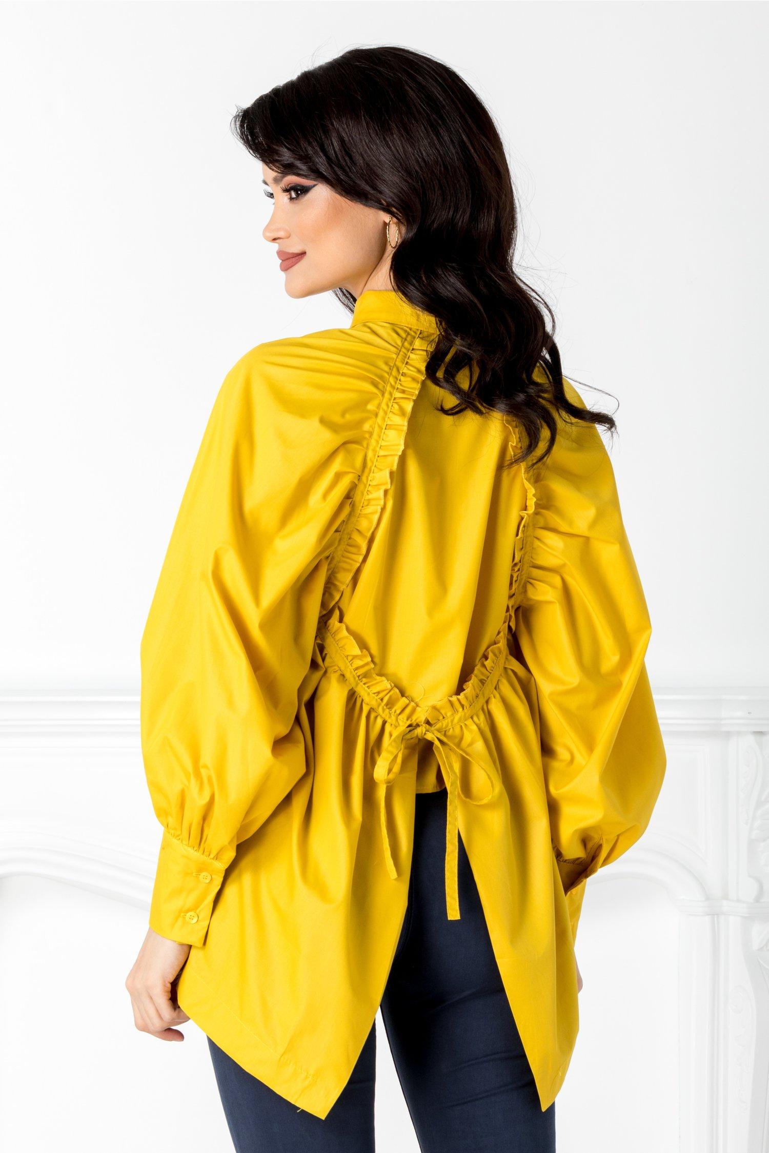 Camasa galbena cu design deosebit la spate