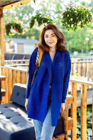 Cardigan albastru tricotat cu perforatii si gluga