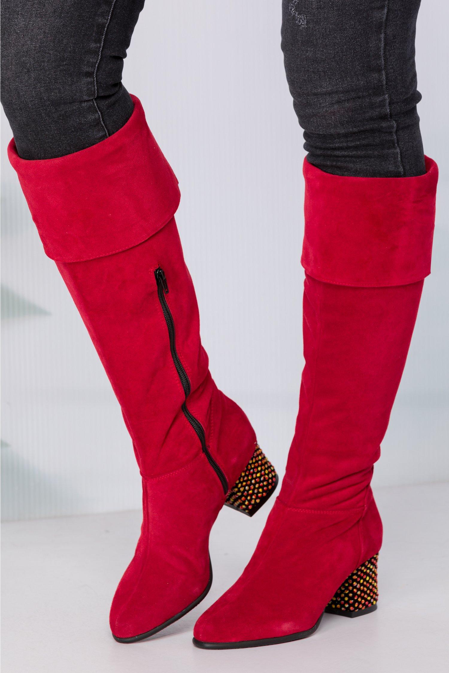 Cizme Paola rosii lungi cu buline reliefate pe toc