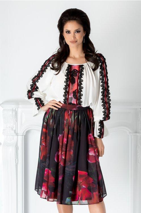 Compleu LaDonna cu fusta neagra din voal cu imprimeu floral
